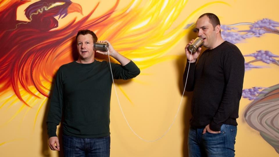 Брайан Эктон и Ян Кум в офисе WhatsApp в Маунтин-Вью