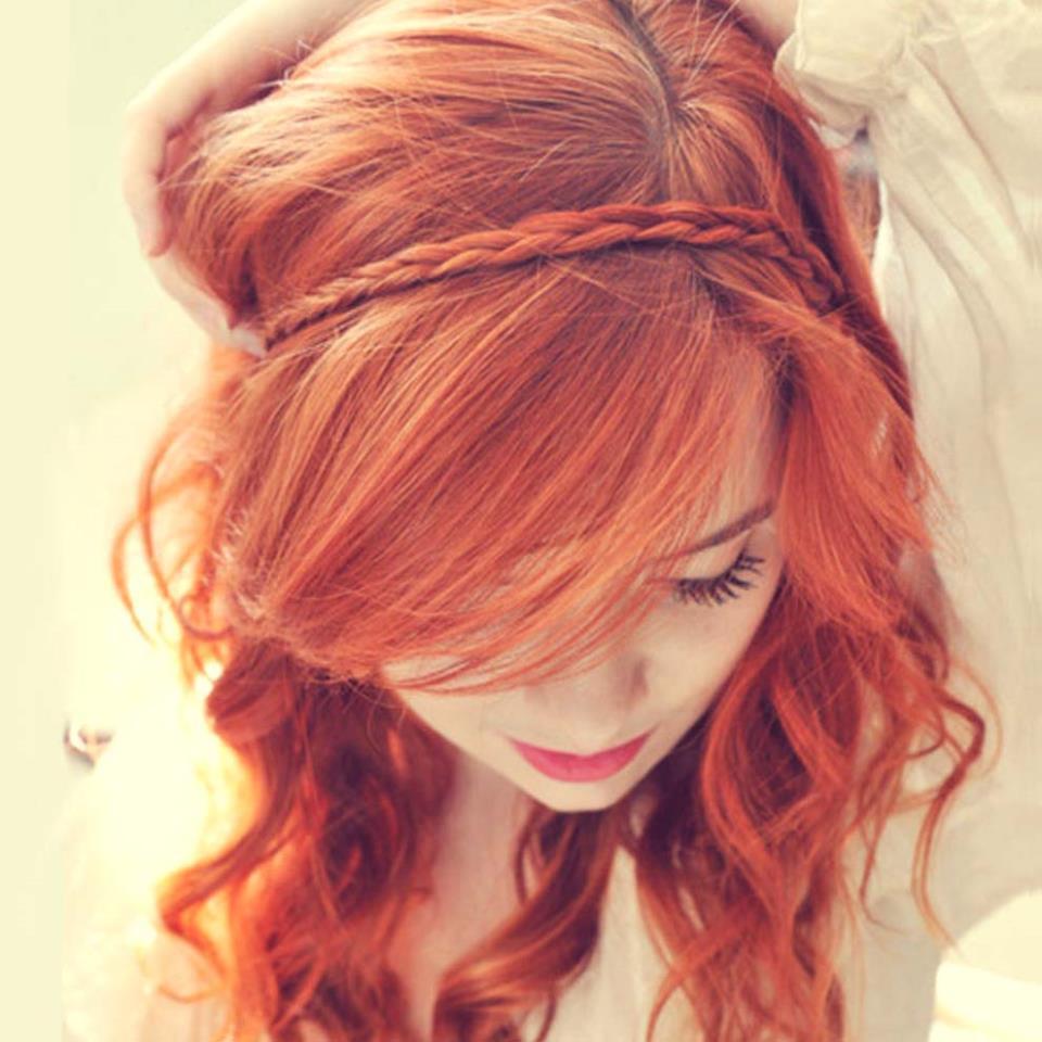Ава рыжеволосой красавицы