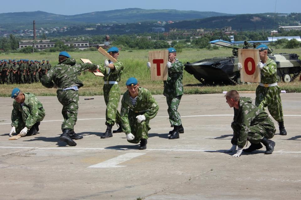 """Наш ответ НАТО - выступление военно-патриотического клуба """"Гвардия"""""""