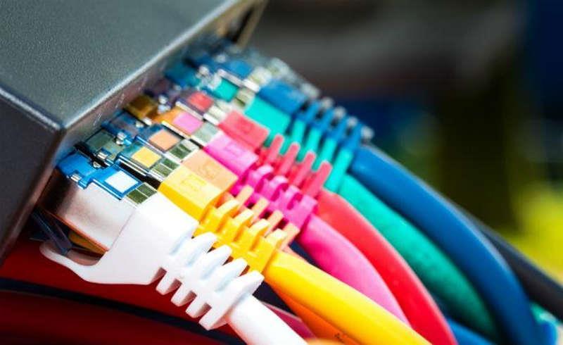 Разноцветные кабели